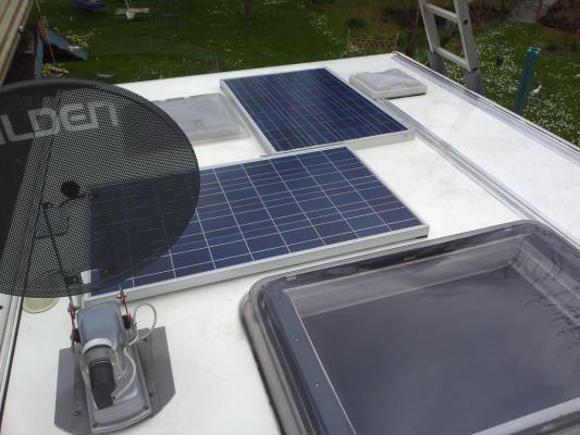 einfach am wohnmobil eine solaranlage selbst einbauen. Black Bedroom Furniture Sets. Home Design Ideas
