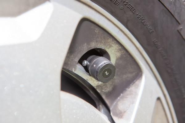 Tiremoni 210 - Der Sender am Reifen darf nicht überstehen.