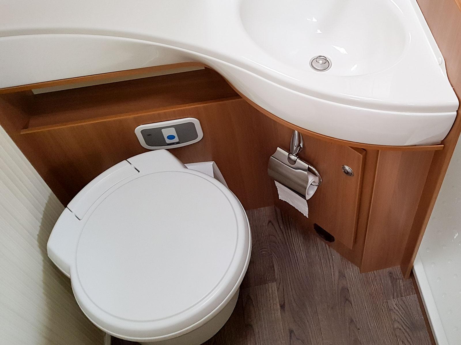 wie funktioniert eine campingtoilette so gibt es keine berraschung. Black Bedroom Furniture Sets. Home Design Ideas