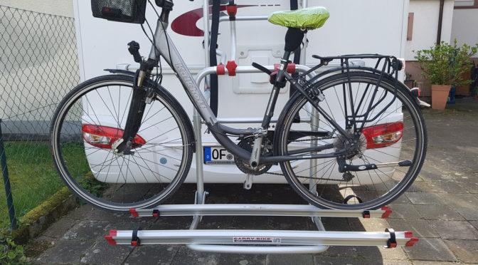 Fahrradträger mit Lift – nicht nur fürs Alter ideal! Fiamma Carry Bike Lift 77 – Rückenschmerzen ade