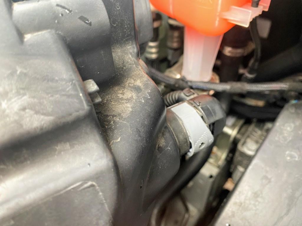 Stromkabel-Ducato-Scheinwerfer-angesteckt-und-noch-nicht-verriegelt