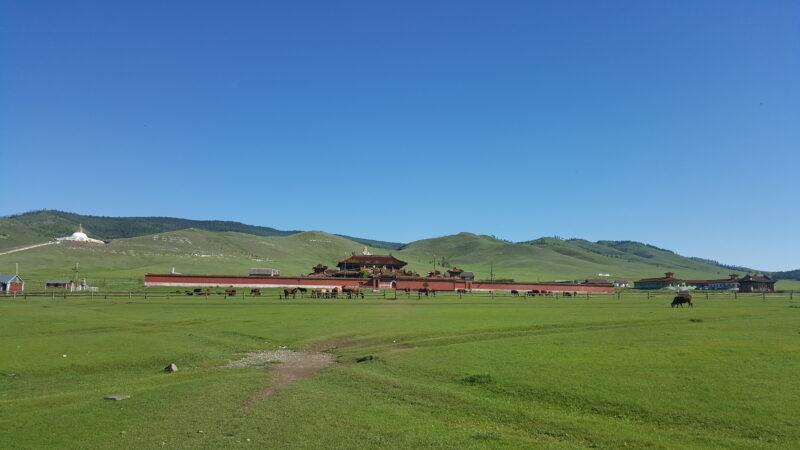 """Das Amarbayasgalant-Kloster oder das """"Kloster der ruhigen Glückseligkeit"""" ist eines der drei größten buddhistischen Klosterzentren in der Mongolei. Der Klosterkomplex befindet sich im Iven-Tal in der Provinz Selenge in der Nordmongolei. (c) Ethno Mongol"""