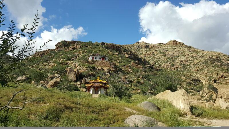 Kloster beim Khogno Khan National Park (c) Ethno Mongol