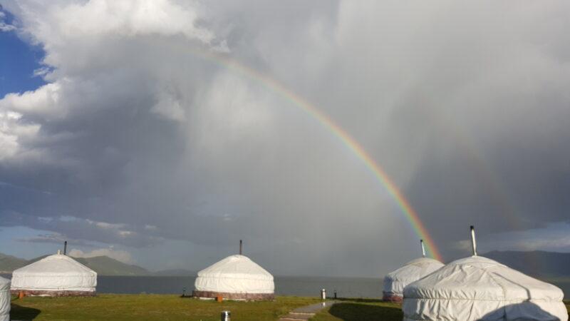 Regenbogen über dem Jurtencamp(c) Ethno Mongol