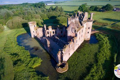 2018-06-07_06-33-59_Schottland-Caelaverock-Castle_DJI_0022-1600.jpg